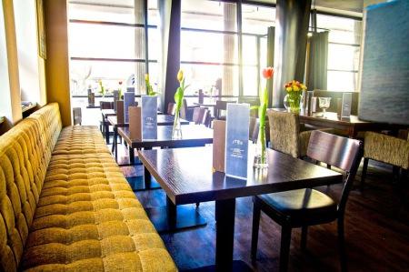 cafe im rathaus friedrichshafen fr hst cken kaffee cocktails bar frische speisen gut. Black Bedroom Furniture Sets. Home Design Ideas